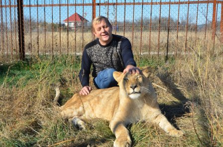 У спасенной львицы Лолы в крымском зоопарке появился свой прайд